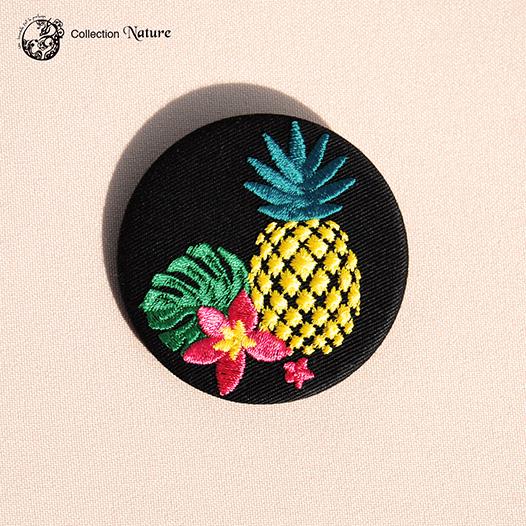 Grande broche broderie Ananas